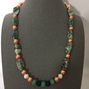 Beads, pearls n green stones necklace string